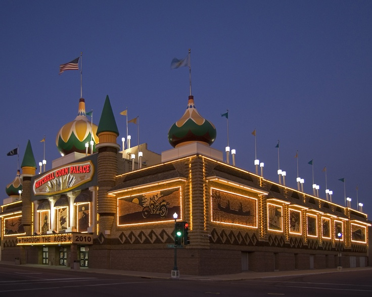 Corn Palace Mitchell South Dakota One Of The Many Towns I Ve Lived In South Dakota Road Trip South Dakota Road Trip Usa