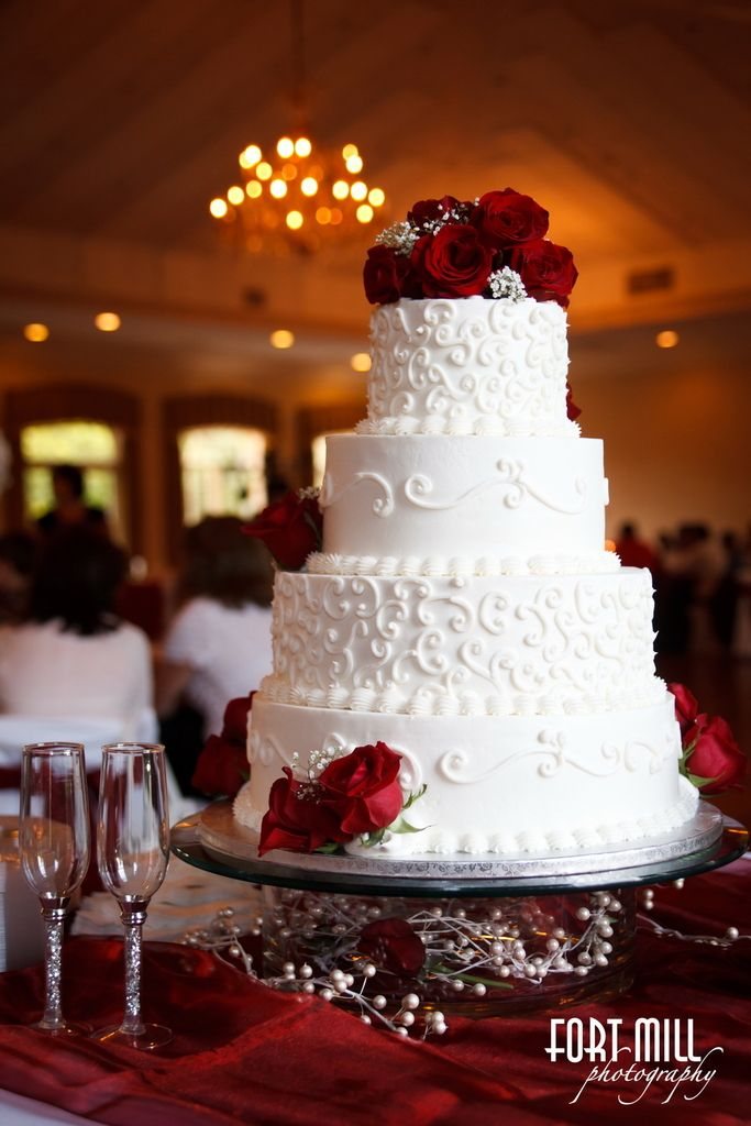 White & Red Wedding Cake