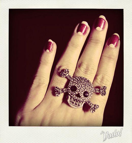 vintage nails + skull