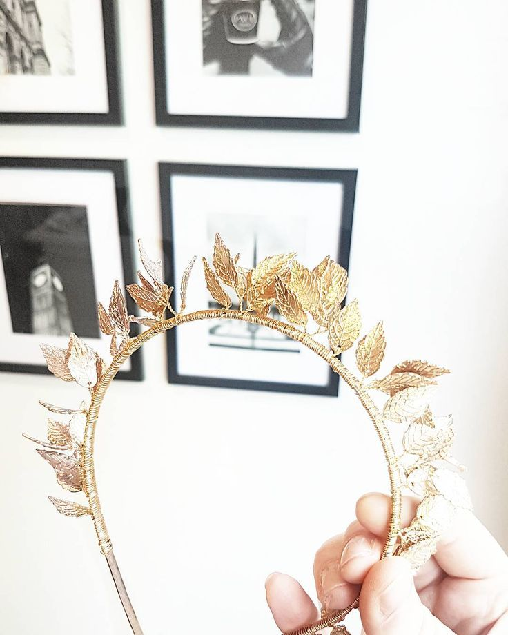 I snapped this photo of the Clementine headpiece in the studio yesterday. Isn't she pretty! So delicate!  . (Ps. My gallery wall is up! What do you think - do you like it?) $89 Free delivery Australia wide.  Worldwide delivery available. Link in bio @elodielamarc . . . . .  #uniquefashionaccessories #elodielamarcphotography #bridalhairstyle #hairaccessory #stylish #elodielamarchaircouture #styling #bridalmakeup #fashionaddict #fashiononthefield2017 #chanelclassic #styleicon…
