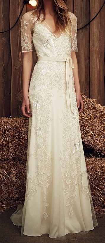 """Beautiful beaded Jenny Packham """"Faith"""" wedding dress for sale on www.sellmyweddingdress.co.uk. Subtle silver glitter in the tulle and the beads makes you glisten as you walk. Size 8-10, £2500. http://www.sellmyweddingdress.co.uk/listing/jenny-packham-faith-dress/2052"""