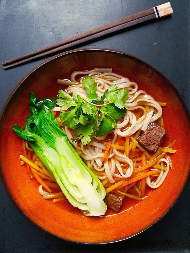 Tajvani marhahúsleves tésztával (Niu Rou Mian) | Chili és Vanília