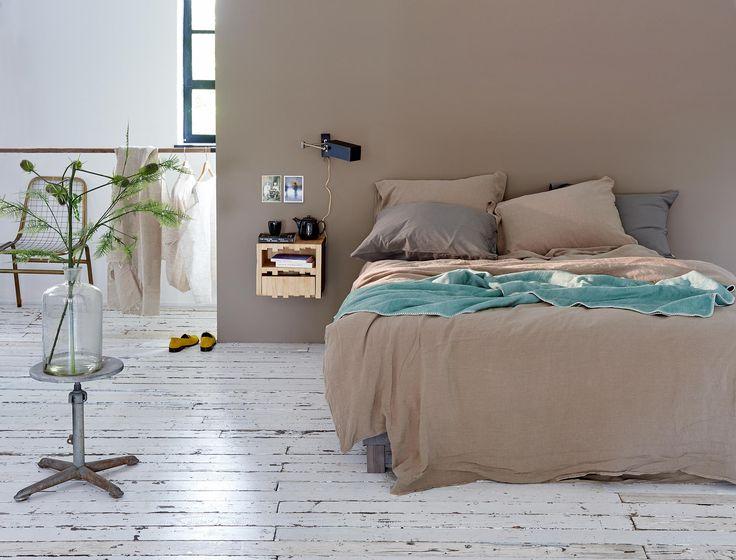 taupe kleurige slaapkamer | taupe bedroom | vtwonen 13-2016 | photography:Dennis Brandsma | styling: Fietje Bruijn