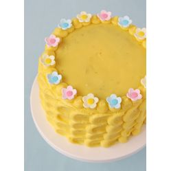 Pretty Spring/Easter Cake {Vanilla Cake with Lemon Filling}   Our Favorite #Easter #Cakes