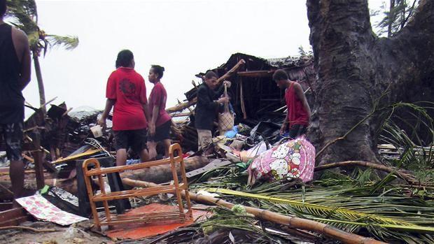 Frygt for højt dødstal efter tropisk orkan i Stillehavet  Især i Vanuatu er der meldinger om store ødelæggelser efter orkan, der kan være en af de værste nogensinde.
