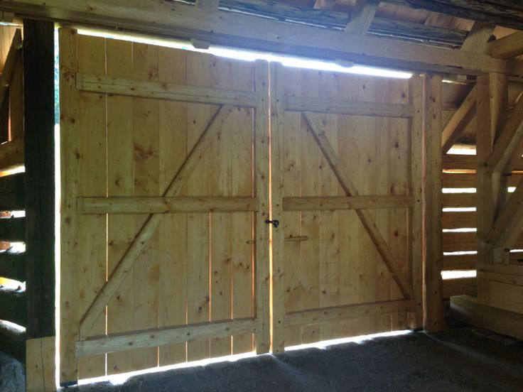 Nová vrata do stodoly