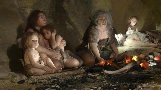 Bratara verde, care a fost descoperita în Pestera Denisova, a fost gasita alaturi de alte artefacte mai vechi care dateaza de acum 125.000 de ani. Pestera este numita dupa ramura hominida misterioasa a omului de Denisova, despre care se crede ca a trait în zona Muntilor Altai din estul Rusiei. Dupa studierea genomurilor Omului de…