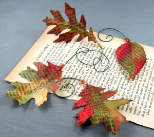 Nice tutorial on the Tombow USA blog on how to make these beautiful book page leaves.