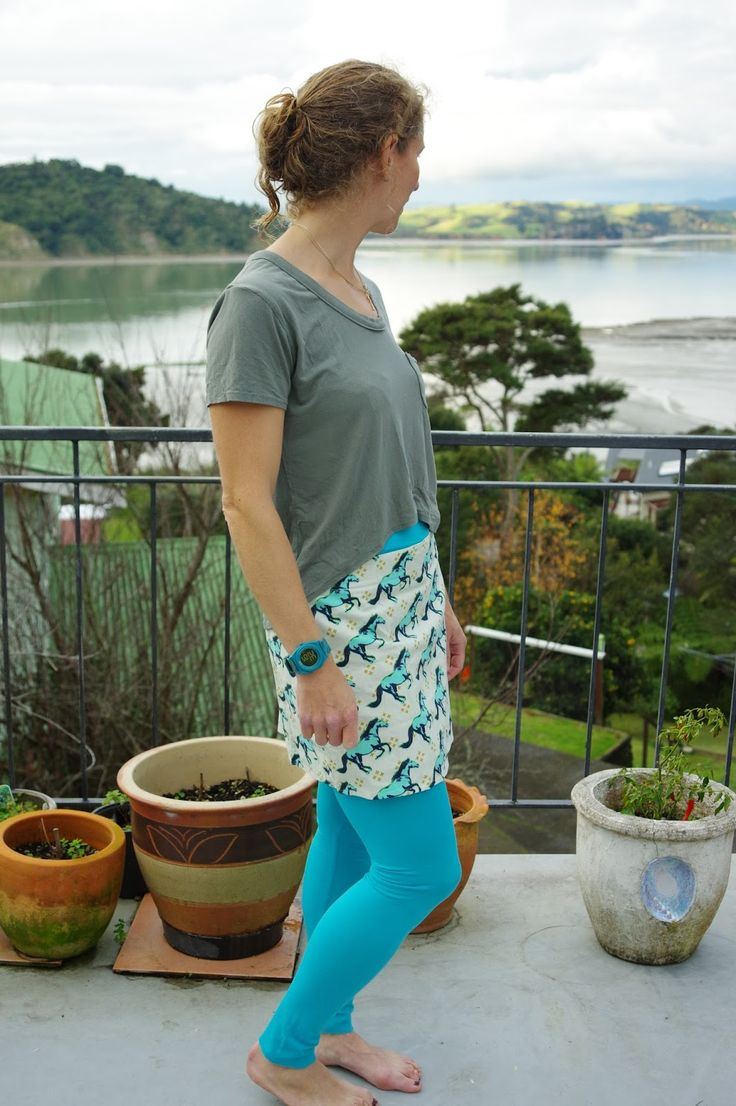 I'm not quite sure why leggings felt like a kind of holy grail.  Maybe I was waiting for this pattern?  There are some other patterns out t...