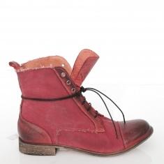 Czerwone buty są niezbędnę :)