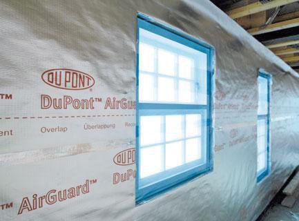 DuPont™ Airguard Reflective de Maydisa. Barrera de vapor. Aislamiento térmico y estanco al vapor de agua para edificios. www.maydisa.com
