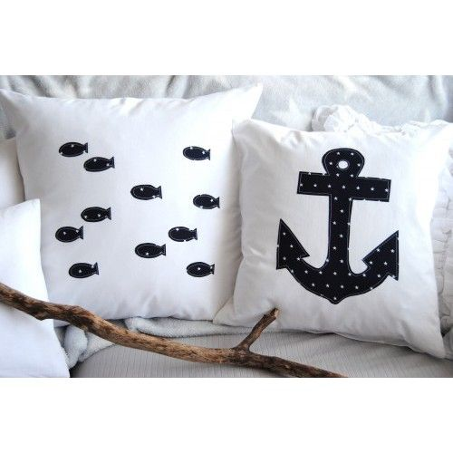 Wundervolle Kissenhülle 50x50 mit Fischen oder mit Anker (maritim, blau). Weitere tolle handgemachte Artikel von SCHLEKKELING findest Du auf Spandooly.de