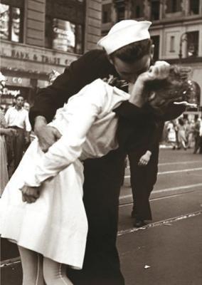 """""""Kissing the War Goodbye"""" av Victor Jorgensen"""
