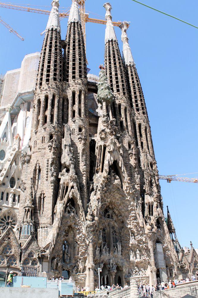 Günstige Unterkunft in Barcelona, Spanien gesucht? Meine Tipps zum billig wohnen direkt an den Sightseeing Highlights.