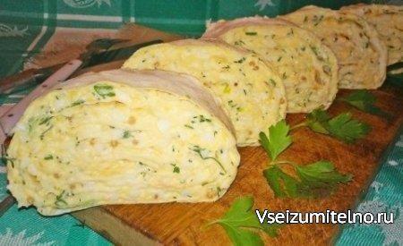 Закуска из лаваша с сыром   Ингредиенты  тонкий лаваш – 1 шт. большого размера твердый сыр – 150 г яйца – 6 шт. зелень укропа и петрушки горчица французская – 2 ст. л. чеснок – 4-5 зубчиков майонез – 3-4 ст. л.  Способ приготовления  Сыр трем на средней терке.  Яйца варим, остужаем, чистим, трем на средней терке.   Зелень хорошо промываем и мелко режем.  Смешиваем сыр, яйца, зелень, пропущенный через пресс чеснок, майонез, горчицу. Хорошо перемешиваем. Лаваш разворачиваем на столе, хорошо…