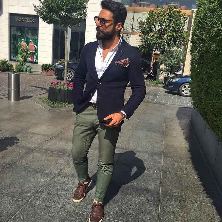 Dress mix for summer - blue jacket + green slim pant
