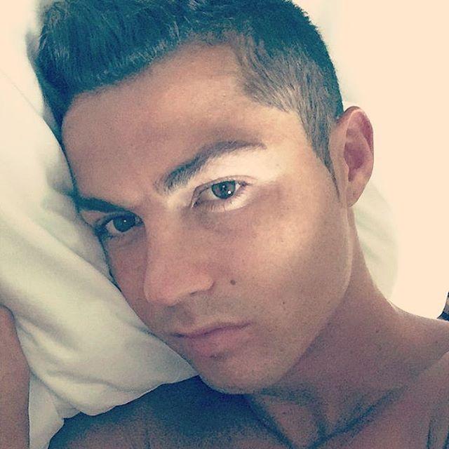 this was too much to handle  #realmadridfamily #REALMADRID #madridclub #madrid #madridsta #madridismo #soccer #halamadrid #halamadridynadamas #vamosmadrid #CR7 #ronaldo #vivaronaldo #cristianoronaldo #realmadridfans #cr7fans #lovehim #loveme #cr7ismylife #cr7thebest #cr7ista #cr7allday #mancrush #idol #ronaldista #fangirlprobs #fangirlmoments #tagsforlikes