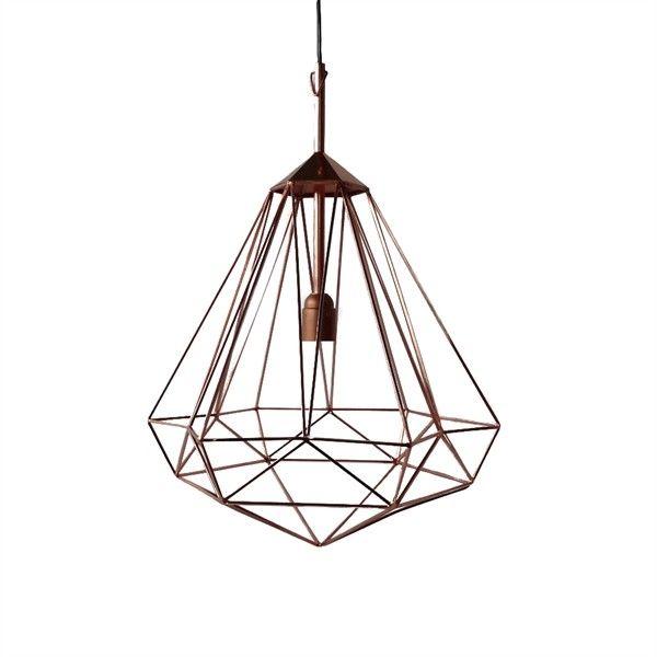 Deze briljante lamp van Pols Potten is een absolute eye-catcher voor uw interieur. De Diamond lamp is strak maar door de projectie op de muur ook uitermate vriendelijk in zijn uitstraling. Gemaakt van metaal.