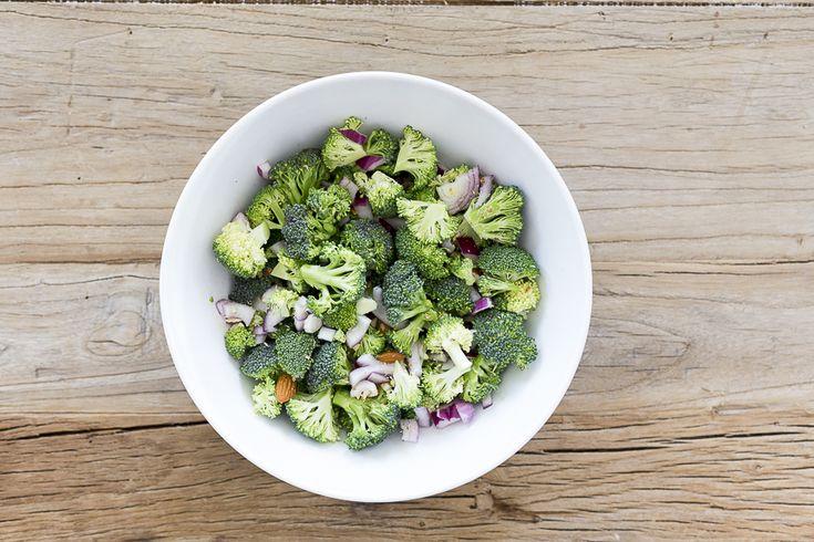 oppskrift onsdag brokkolisalat broccoli slaw caroline berg eriksen steg
