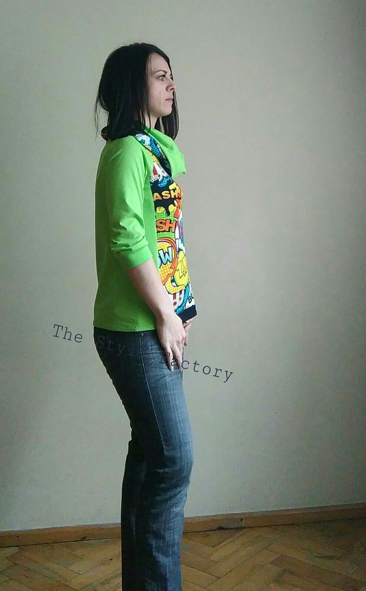 Blouse printed with comic with high chimney // thestylefactory.pl //