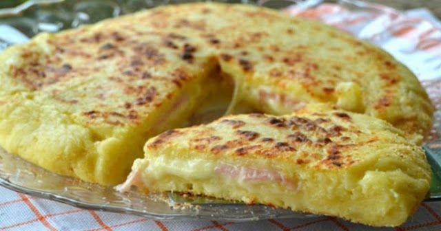 Πανεύκολη Πίτσα στο Τηγάνι, με Ζύμη Πατάτας, Ζαμπόν και τυρί ! - The World