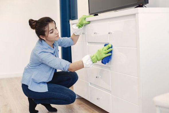طرق تنظيف المنزل بسهولة اكتشفي خطوات طريقة تنظيف المراتب In 2021 Clean House Rubber Gloves Cleaning