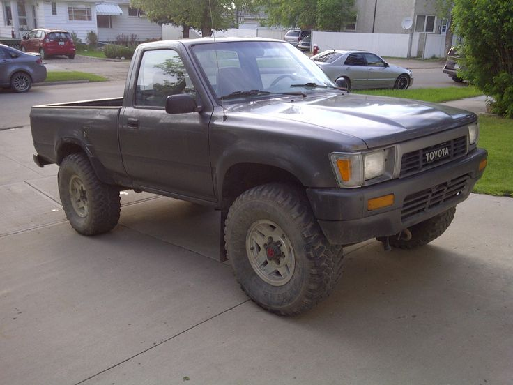 1989 Toyota Pickup Flat Black Bumper And Grille Work Is A Nice Touch Toyota Pickup 4x4 Toyota Hilux Toyota Tacoma 4x4
