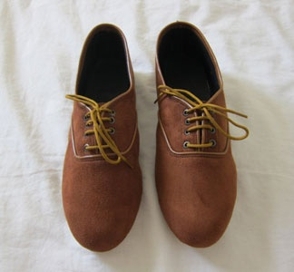 Oxfords. My fav everyday pair of shoes:)