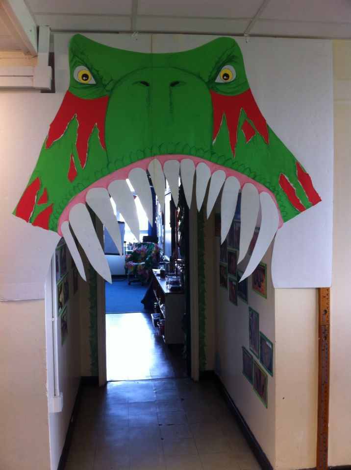 Dinosaur classroom door! Eek! & The 25+ best Dinosaur classroom ideas on Pinterest | Dinosaur ... Pezcame.Com