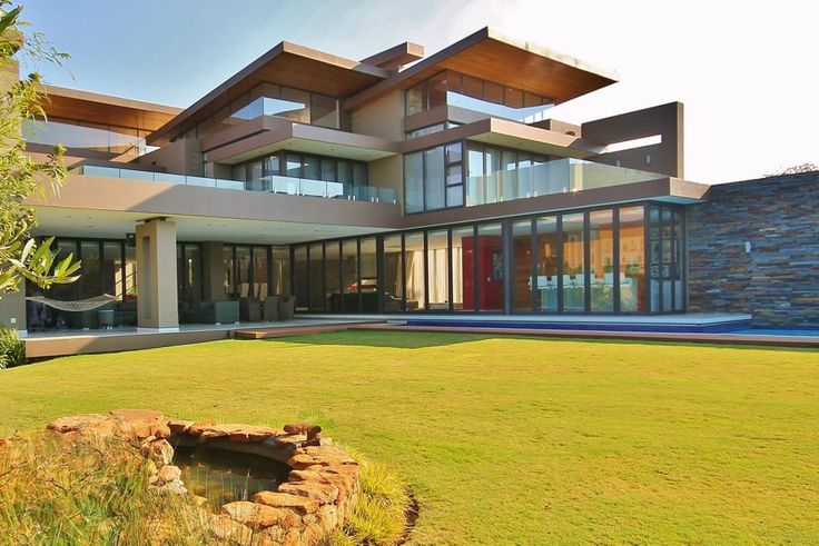 Modern meets practical...  (https://www.rawson.co.za/property/5-bedroom-house-for-sale-in-meyersdal-eco-estate-id-722241)