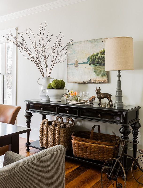 beautiful vignette - Hudson Interiors