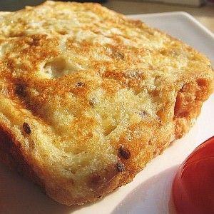 Гренки в омлете с сыром