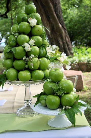 diy Wedding Crafts: Apple Tower Centerpiece - http://www.diyweddingsmag.com/diy-wedding-crafts-apple-tower-centerpiece/
