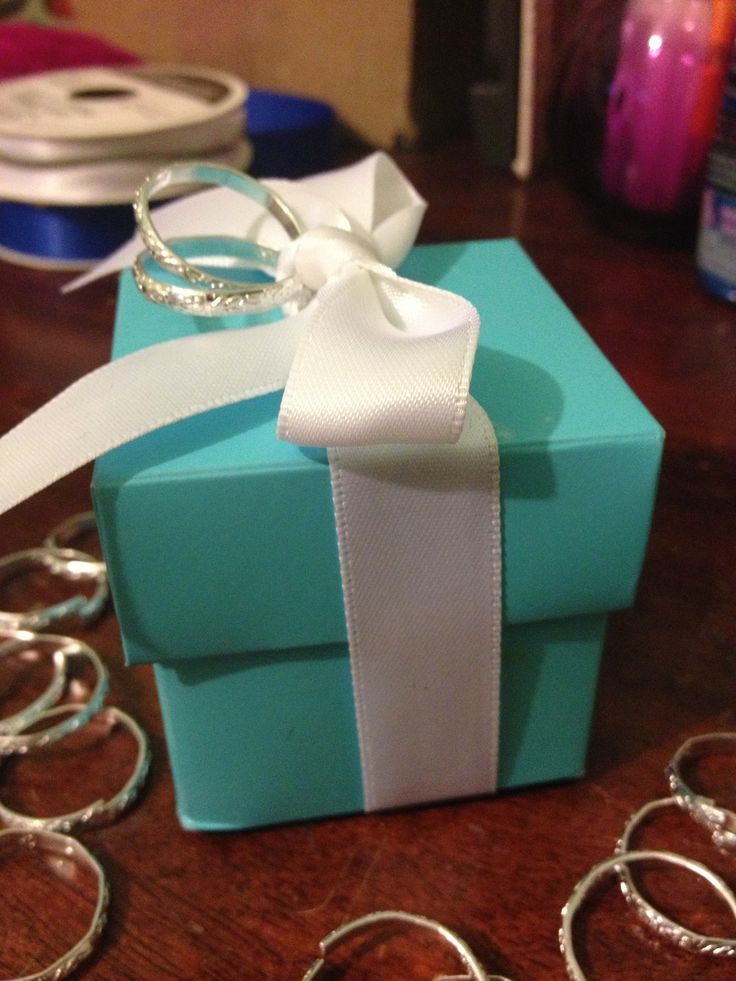 Baby Shower Favor Boxes Pinterest : Tiffany and co favor box for wedding guest