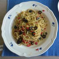 Špagety aglio olio e peperoni recept - Vareni.cz