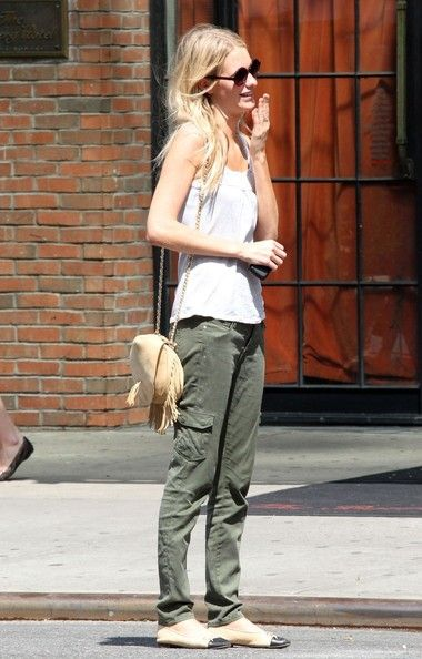 Poppy Delevingne - Off-duty model Poppy Delevingne is seen looking cool as she hails a cab in downtown Manhattan