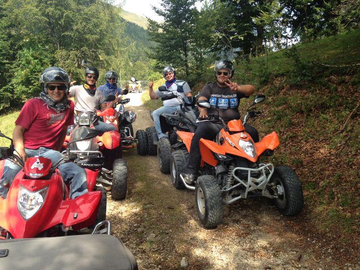 Gruppo in tour nel Monte Grappa verso Arsiè