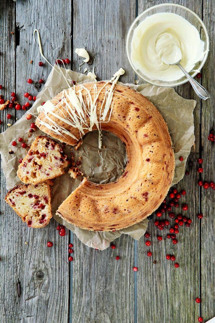 Puolukka-valkosuklaakakku - Linconberry-white chocolate cake