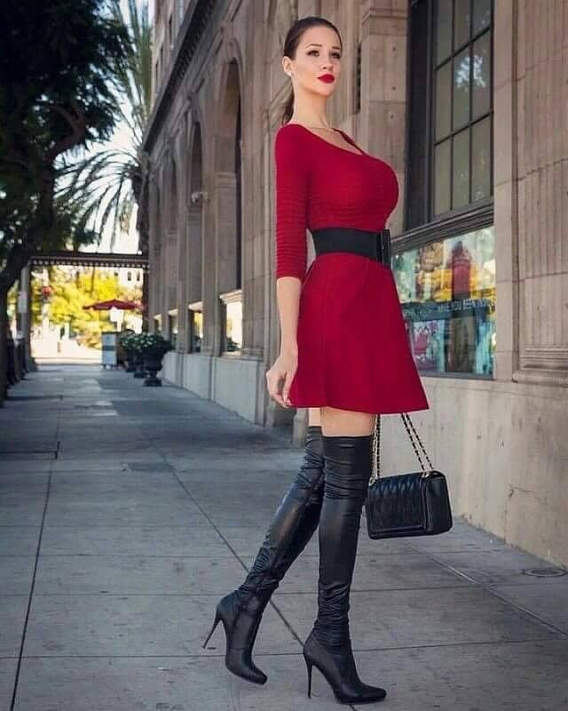Busty Boots
