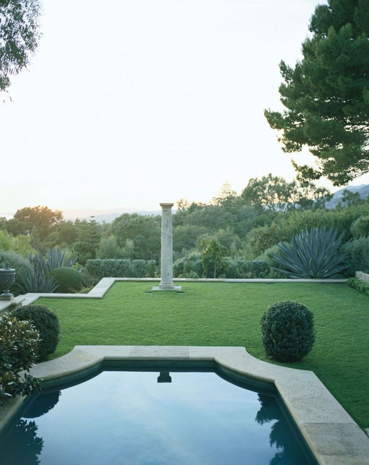 The Swimming Pool Is Centered On A Second To Third Century Roman Column From Quatrain