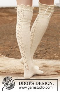 "Sofia - Knitted DROPS stockings with lace pattern in ""Fabel"". - Free pattern by DROPS Design"