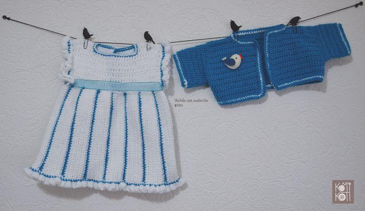vestido azul bebé, tejido a mano, 2 piezas