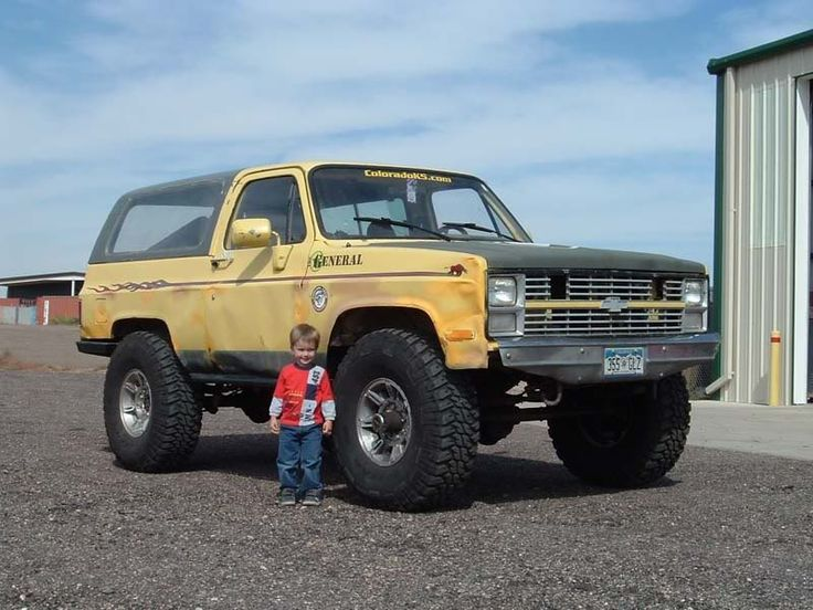 Big tires with little lift Let's see them K5 blazer