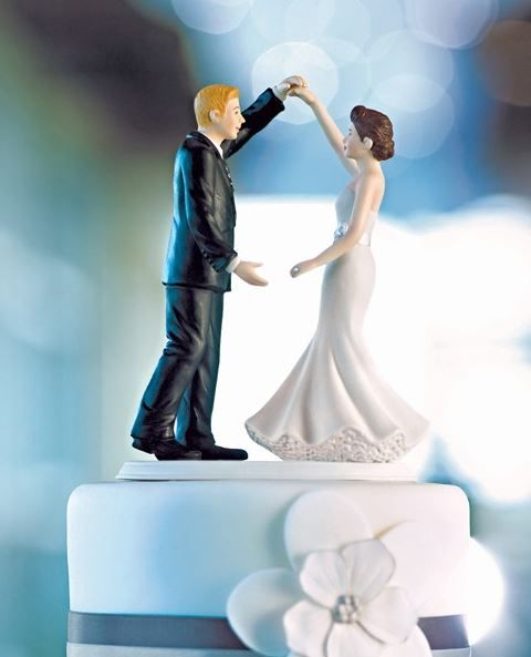 in love, always remember their firsts. First look, first kiss and then your first dance. This cake topper features the couple who have just planned the perfect event and now have the world to themselves on their first dance. A truly romantic...