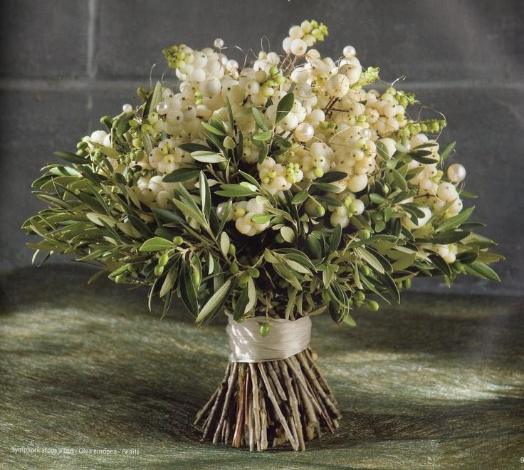 Christmas Wedding Bouquet Ideas: 118 Best Christmas Wedding Bouquet Images On Pinterest