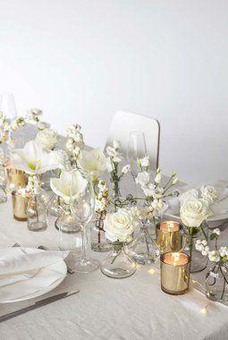 Bugnende med hvite vakre blomster.