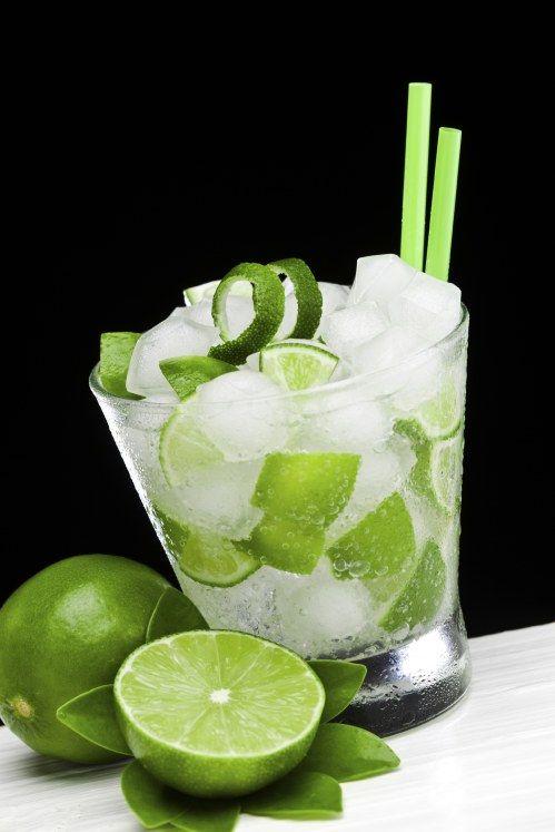 Minz-Limetten-Cocktail