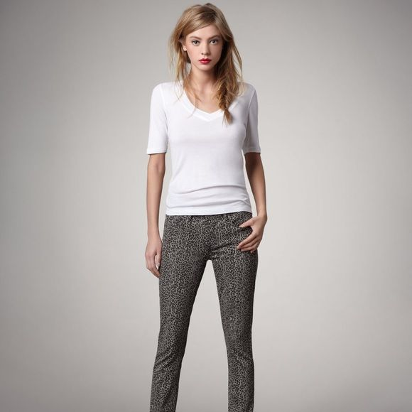 Amazing animal print jeans Look super sexy in this leopard print jeans. Dress them up or down. Paige Jeans Jeans Skinny