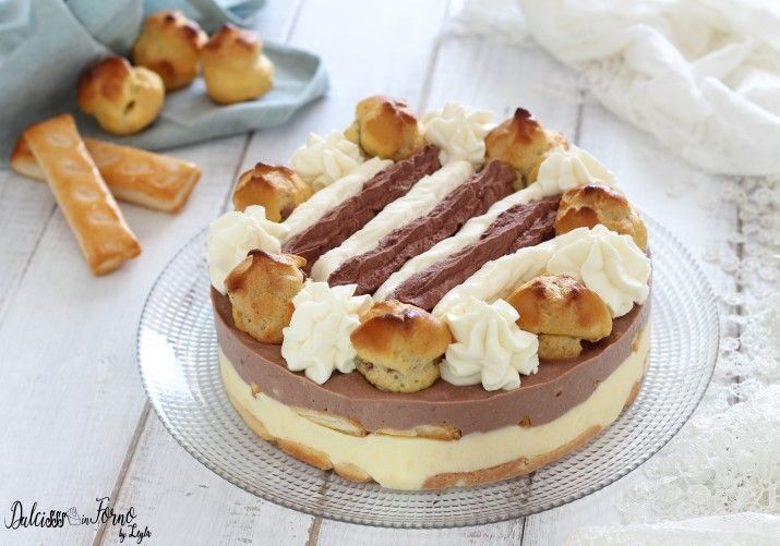 Ricetta della Torta Saint Honore gelato facile, senza cottura in forno e senza gelatiera. Una torta scenografica e golosa, per stupire i vostri ospiti.