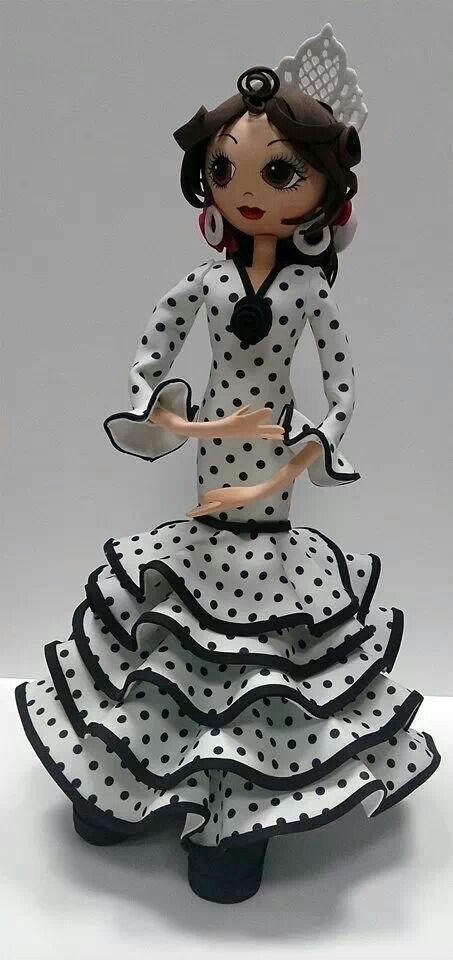 Fofucha con traje de flamenca